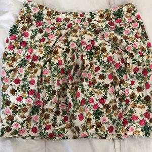 Floral mini skirt! Perfect to dress up or down!